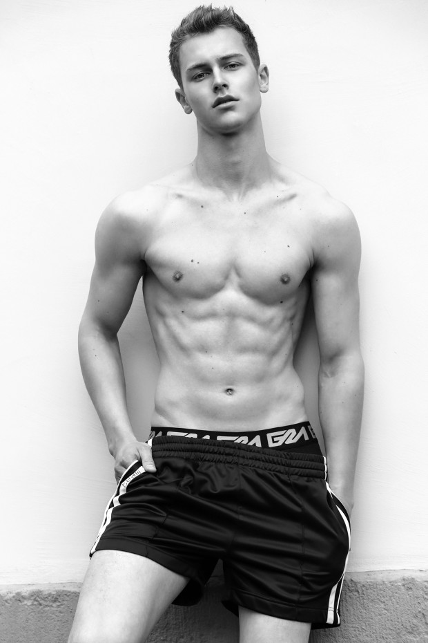 Garcon Model underwear by photographer Martijn Smouter -12